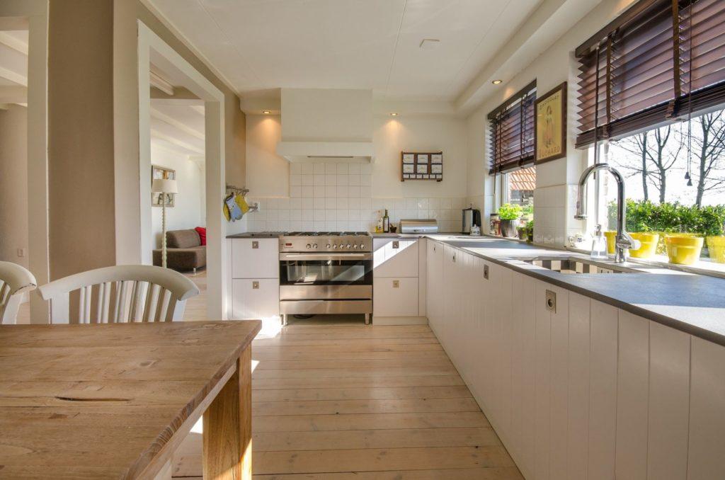 kitchen 2165756 1920 1024x678 - Comment construire une maison ossature bois dans l'Isère